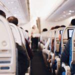 飛行機内で身体が悲鳴をあげずに快適に過ごすアイテム8選!!