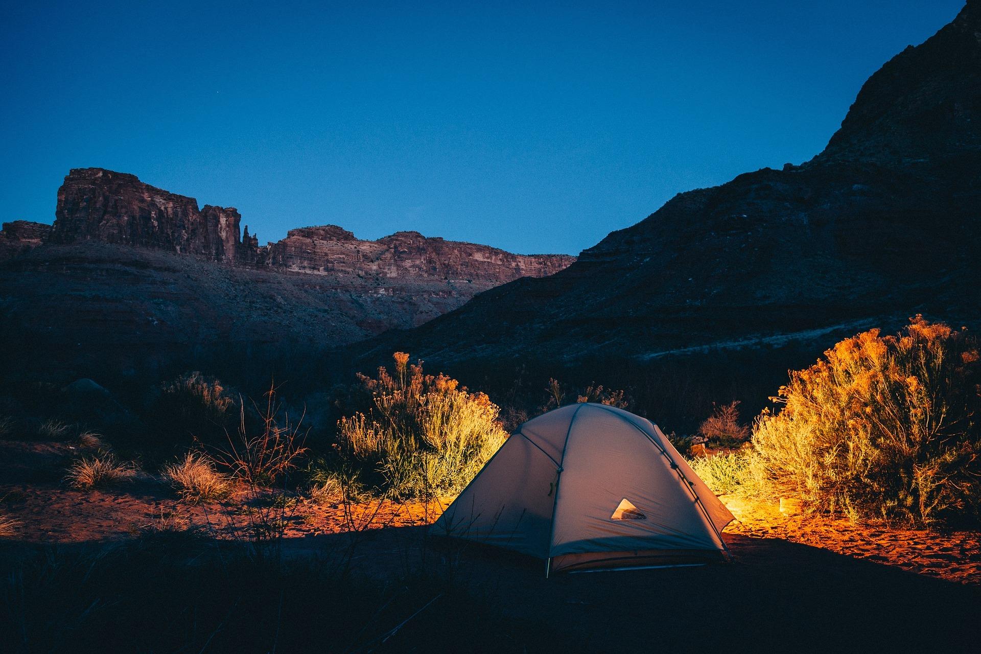 おすすめ寝袋は万が一の災害時やキャンプに重宝します!!